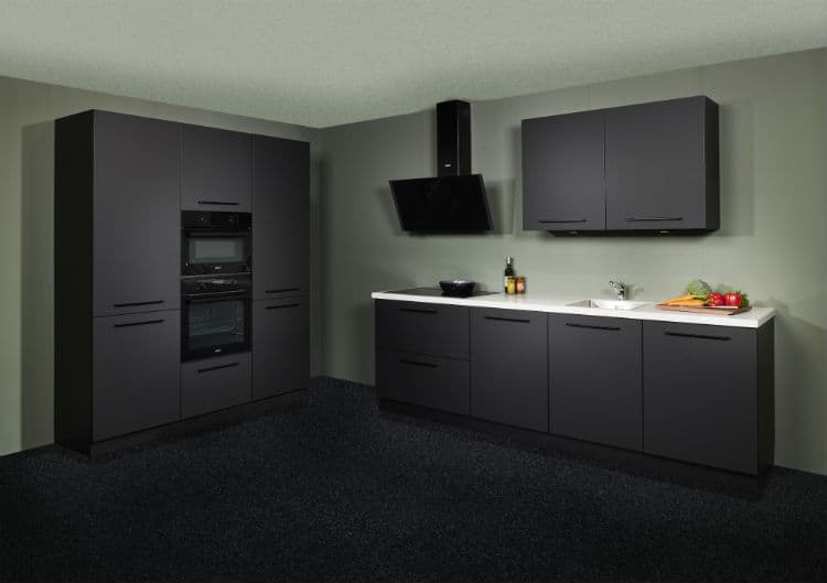 mat zwarte keuken uit voorraad