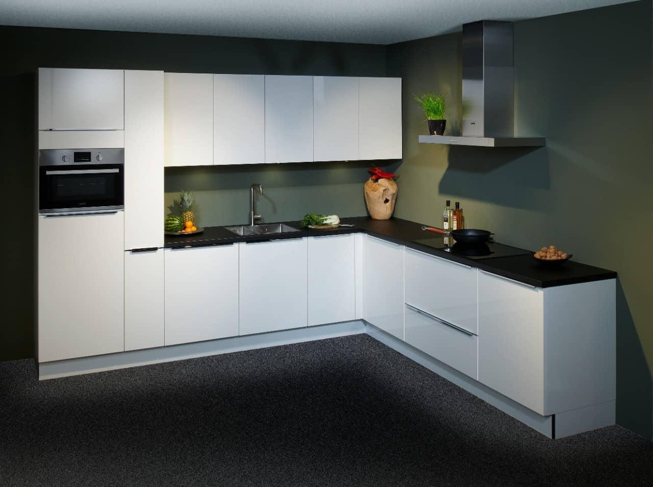 hoogglans wit keuken uit voorraad